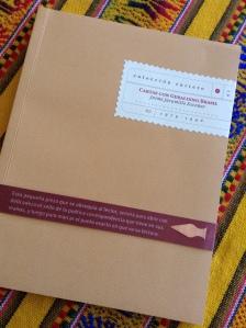 O livro publicado por Escobar na Colômbia