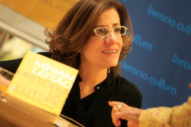 Editora Intr'nseca - livro Miriam Leit‹o