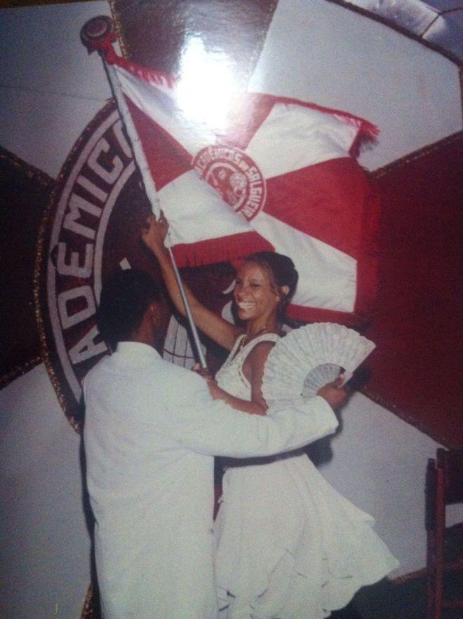 priscila-rosa-porta-bandeira-do-salgueiro-carnaval-do-rio-2000