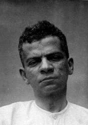 fotografia-lima-barreto-tirada-durante-os-tres-dias-em-que-esteve-internado-no-hospicio-nacional-em-1919-5372756d7e569